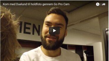 Video: Duelund viser rundt til holdfoto-shoot