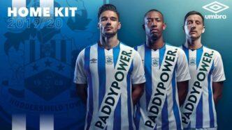 Huddersfields-nye-spilletrøje.jpeg